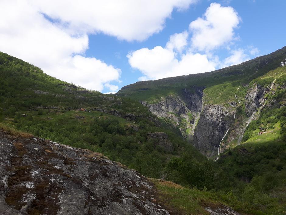 Aurlandsdalen er utrolig grønn og frodig.