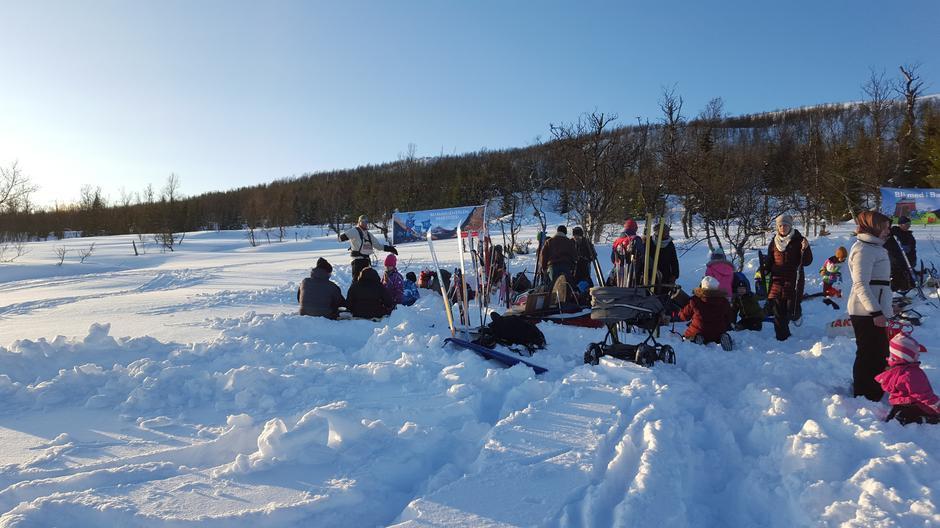 Barnas Turlag på tur i Sørlia vinteren 2015.