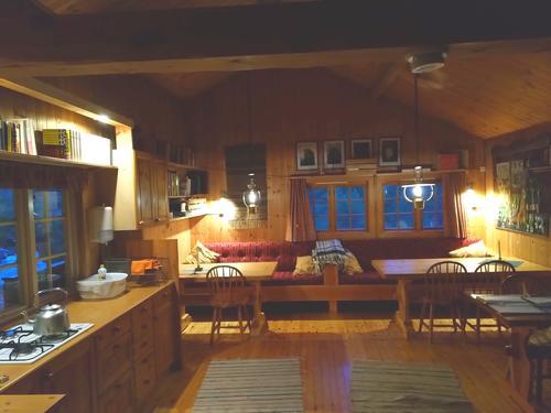 Solcelle og lys på hyttene