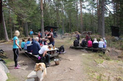 Turen går innom DNT-hytta Småvannsbu