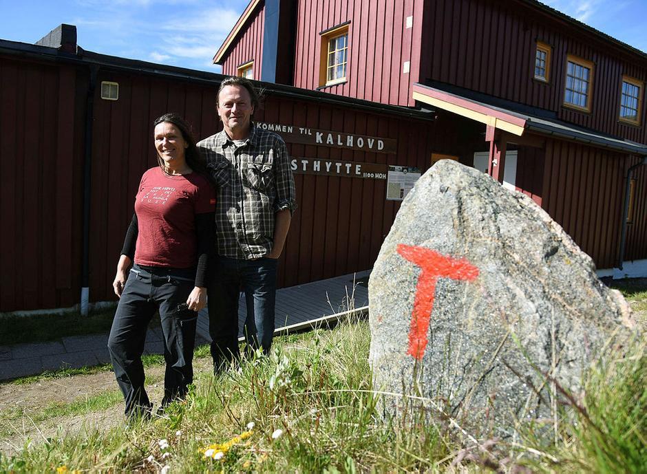 Petter og Kjersti har derevet både Mogen og Kalhovd. Nå håper Petter å få en dyktig kollega som kan videreføre det gode arbeidet sammen med ham.