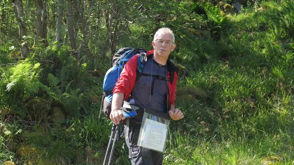 Turleiar Kjell Yri fortalte gode historiar frå Turistvegen og området.
