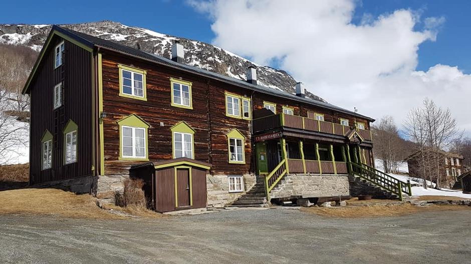 Bårdsgarden og Kårvatn i Trollheimen åpner 1. mai, men du må bestille plass før du kan komme. Her fra Bårdsgarden