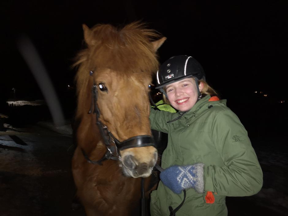 Marie og hennes hest for kvelden