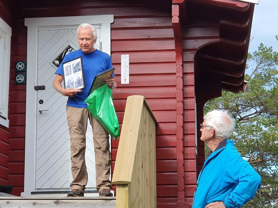 Borgen Historielag, her ved Arne Helgesen og Jon Christofersen, delte spennende historier om hytta