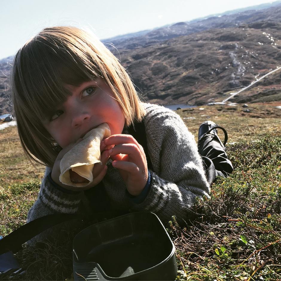 Pannekaker på toppen verdt den lange turen opp #høstferie #BrokkePå bilde er min sønn Sander på 5 år.