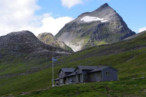 Hyttevert på Norges største selvbetjente hytte i sommer?