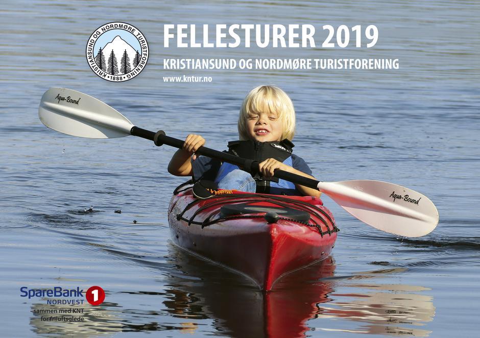 Fellesturheftet for 2019, Theo Wollan på kajakktur utenfor Smøla.