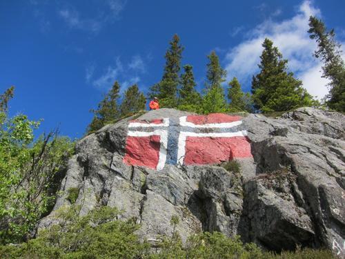Bergflagget i Skammestein vart måla dagen etter EF-avrøystinga i 1972