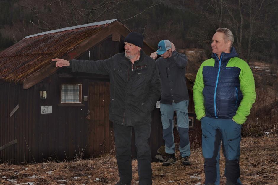 KNT sin styreformann Eirik Gudmundsen sammen med nye drivere, Arve og Stian Evensen.