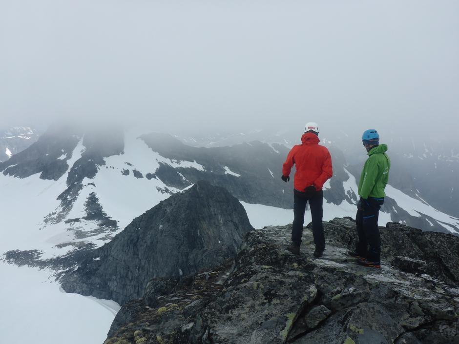 Etter klatring opp Skeie og videre mot Veslebjørn
