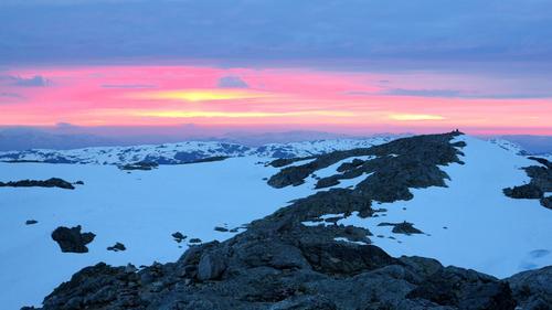 Fargerik solnedgang frå Fonnabu.