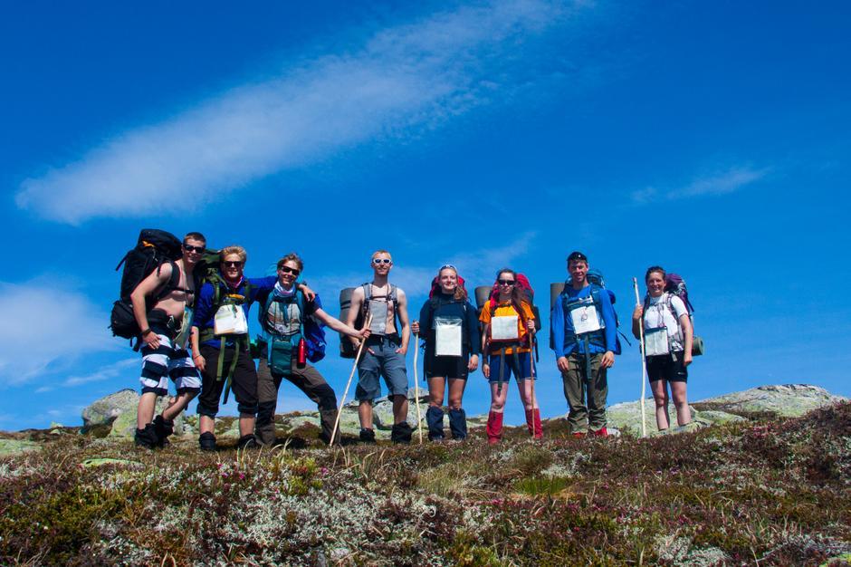 Seks nye sommerturledere klare for å lede mange flotte turer fremover.