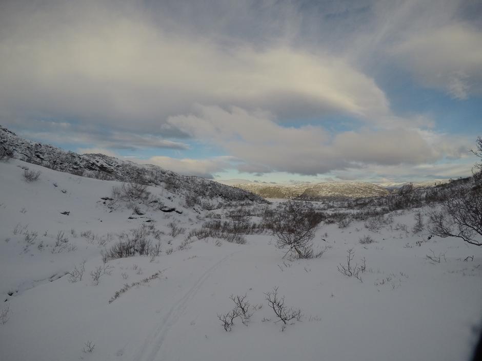 Tirsdag 8.1: Hamlagrøvatnet fra Sveindalen