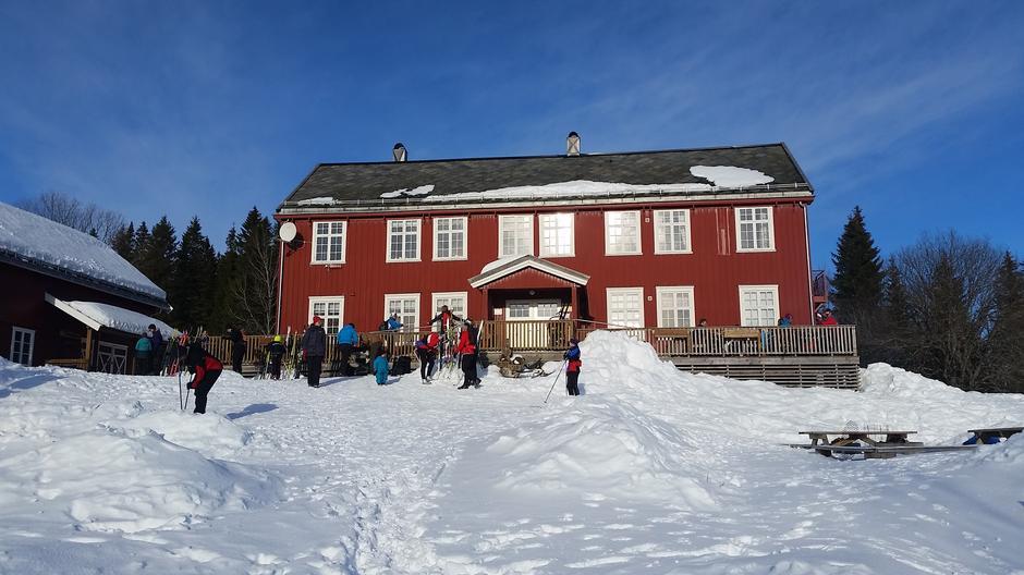Fint å gå på ski inn til oss på Rønningen