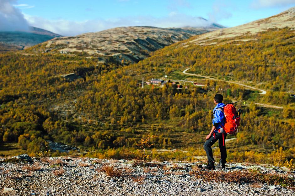SPEKTAKULÆRT: Nydelig utsikt mot Bjørnhollia. Enda bedre blir den når du vet at du er ferdig med turens siste tunge stigning.