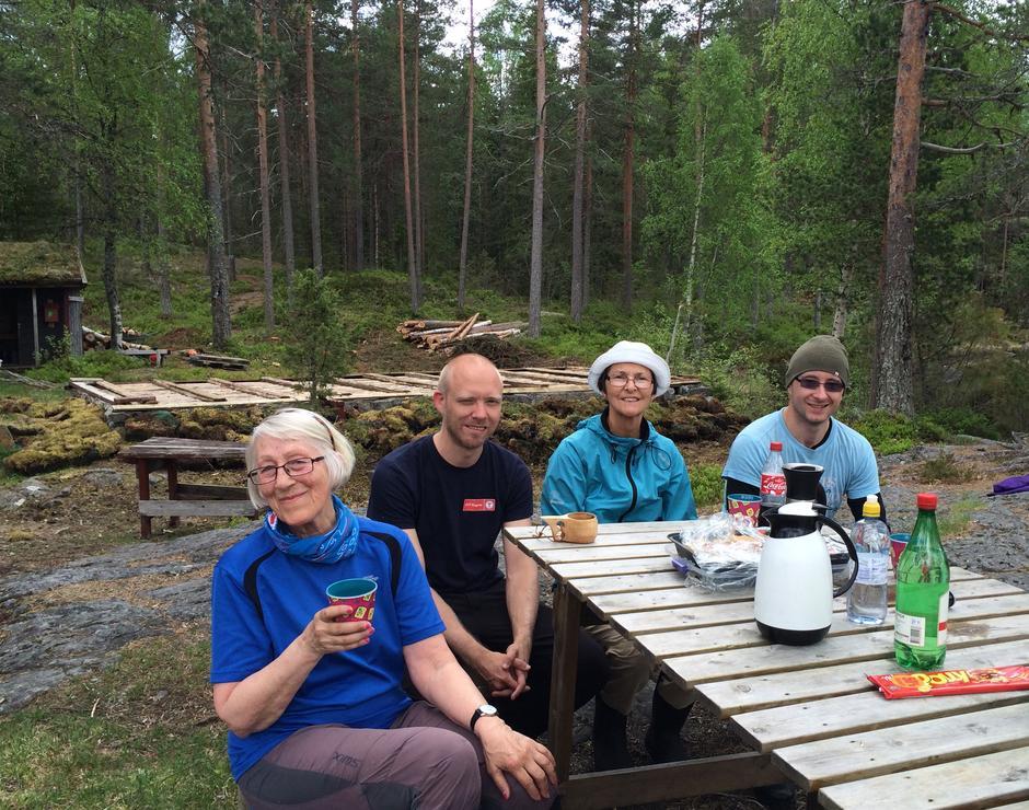 Kaffepause. Fra venstre Marit, Tom-Erik, Solbjørg og Yngve Johan.