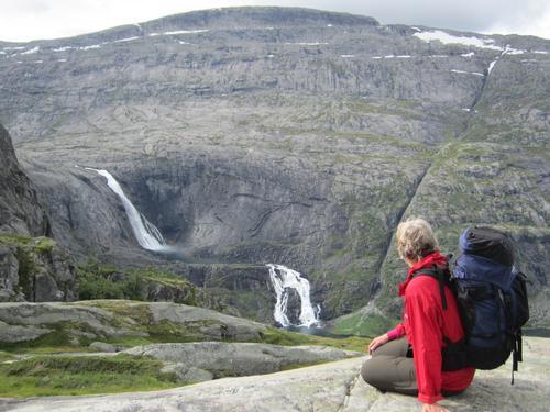 Husedalen ned mot Kinsarvik