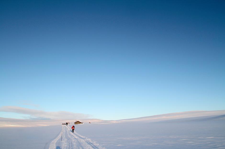 HØY HIMMEL: Reinbukkelvhytta er et populært turmål i vinterhalvmånedene.