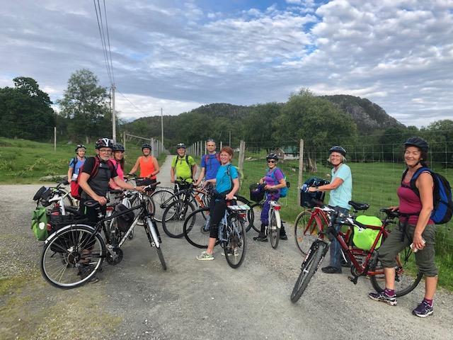 Felles sykkeltur til Svanøy i 2019.