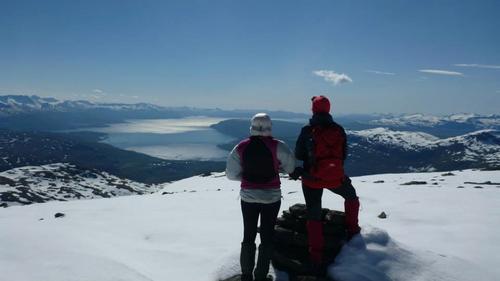 toppen nådd med utsikt over Ofotfjorden