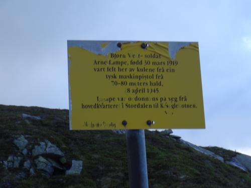 Minnesmerke ved Bjørn West-løypa