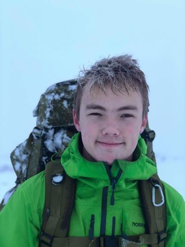 Birk studerer realfag ved st. Olav VGS. Han trives best på lange turer i fjellet, både på sommer- og vinterstid. Favoritthytta er Bleskestadmoen i Suldal.