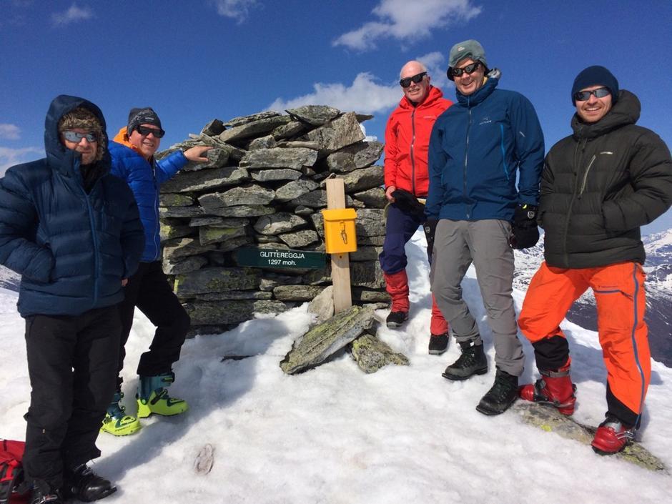 På toppen: Steffen, Odd, Staffan, Ove og Tore.