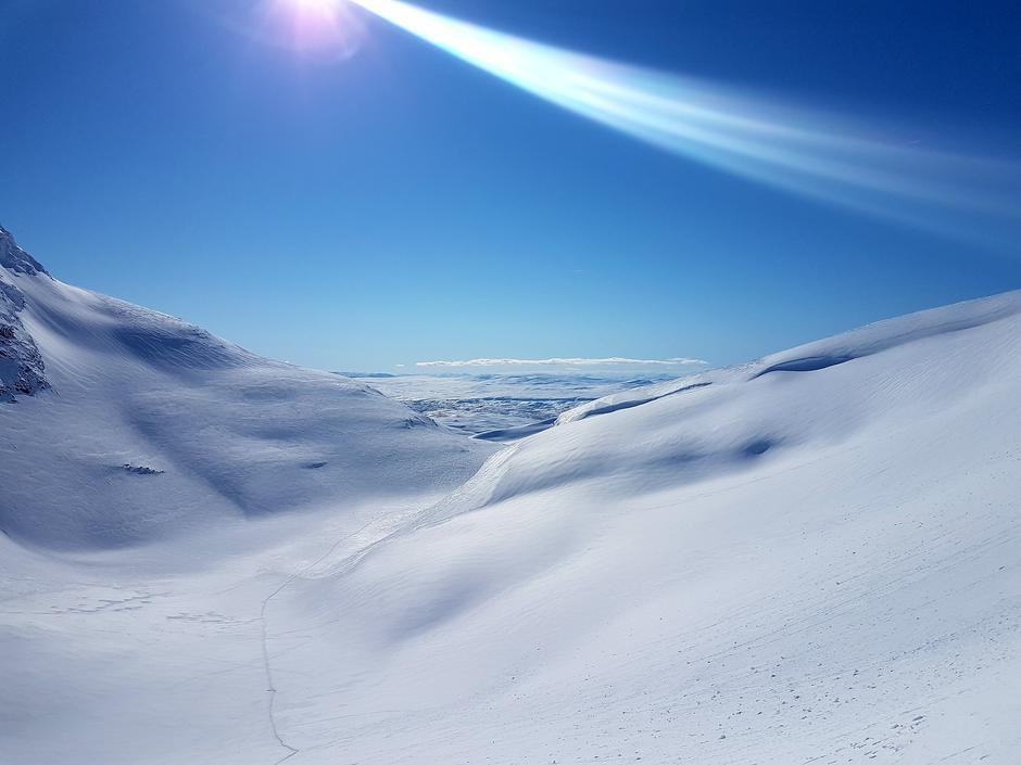 På tur ned fra Suliskongen, i Sulitjelma, Nordland. Dette fra toppen av brefallet.
