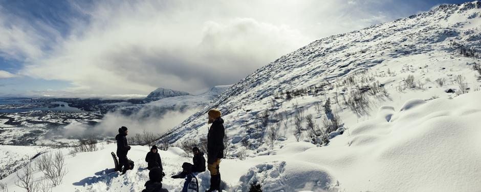 Musikkvideo-innspilling i gang på Tustnafjella. Wardruna og Ragnarok film lager musikkvideo til Lyfjaberg.
