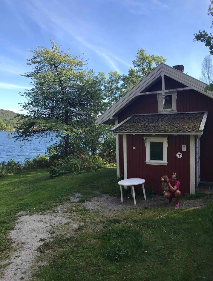 Framme ved Mule Varde-hytta i Porsgrunn