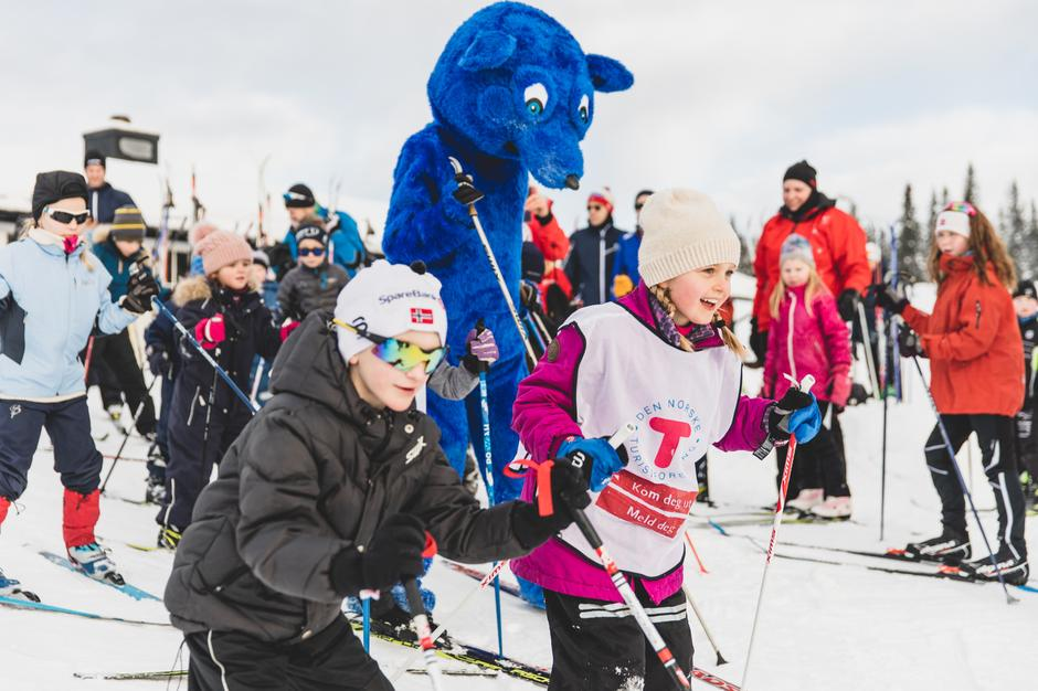 Turbo synes også det var skikkelig gøy å teste skiferdighetene på Kom deg ut-dagen på Lågeråkvisla på Hedmarksvidda.