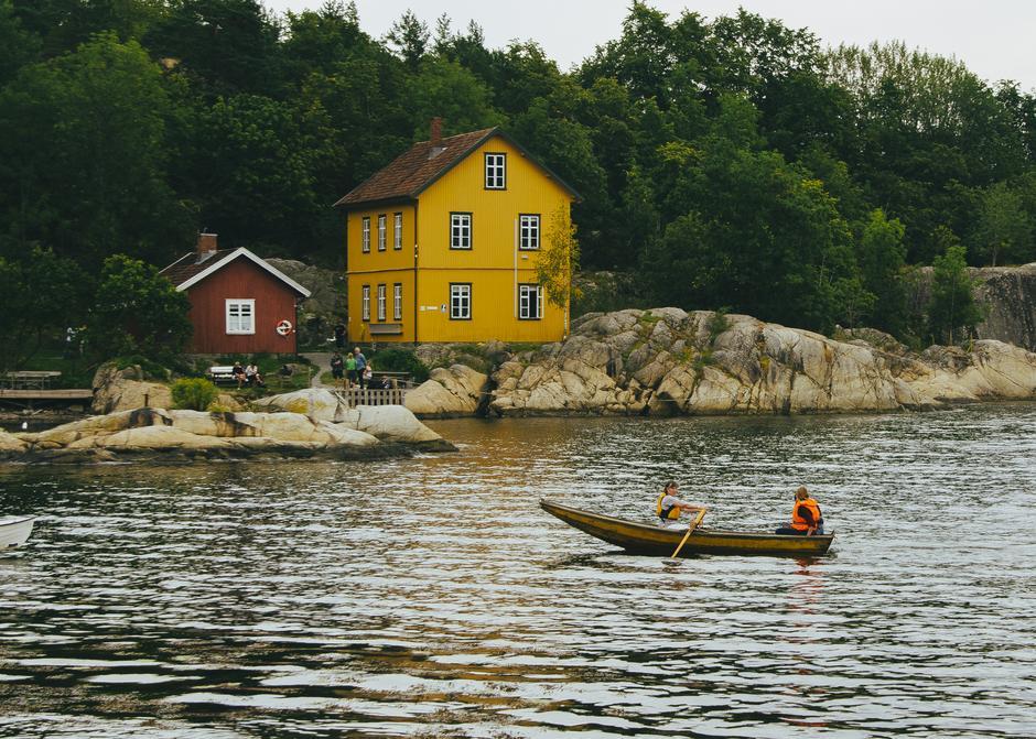 En av flere overnattingsmuligheter langs Jacobineruta er hytta Bergsholmen.
