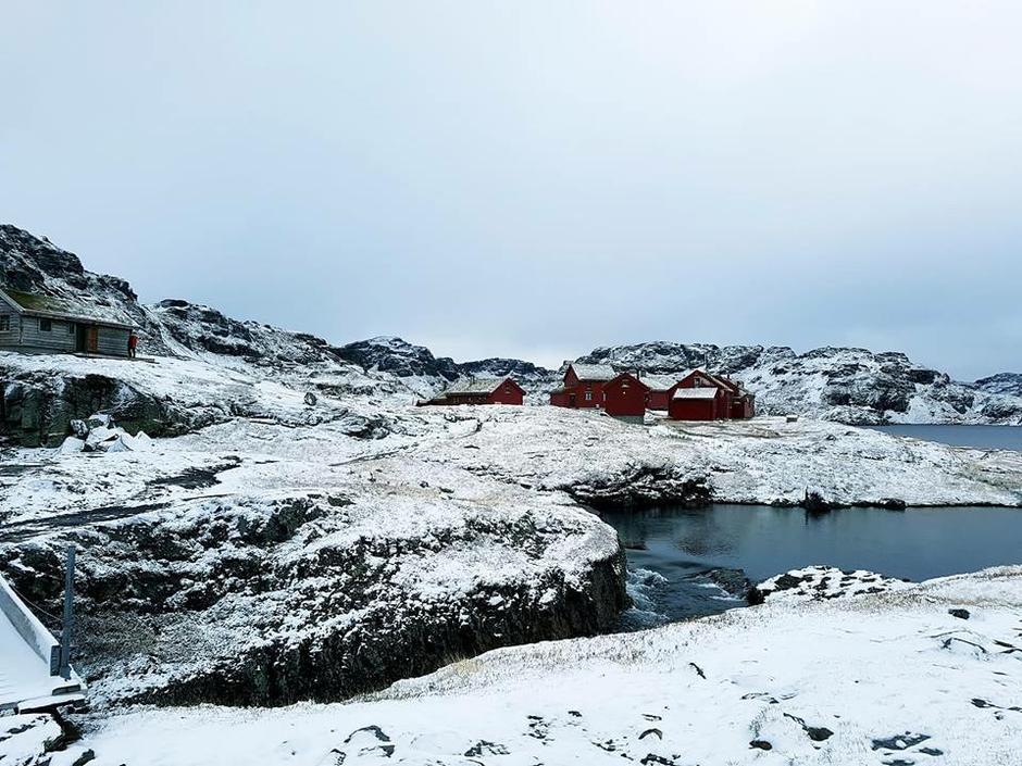 Den betjente driften på Stranddalen turisthytte takker for årets sesong, og ønsker velkommen tilbake i 2019. Den selvbetjente delen med 12 senger og hems står åpen.