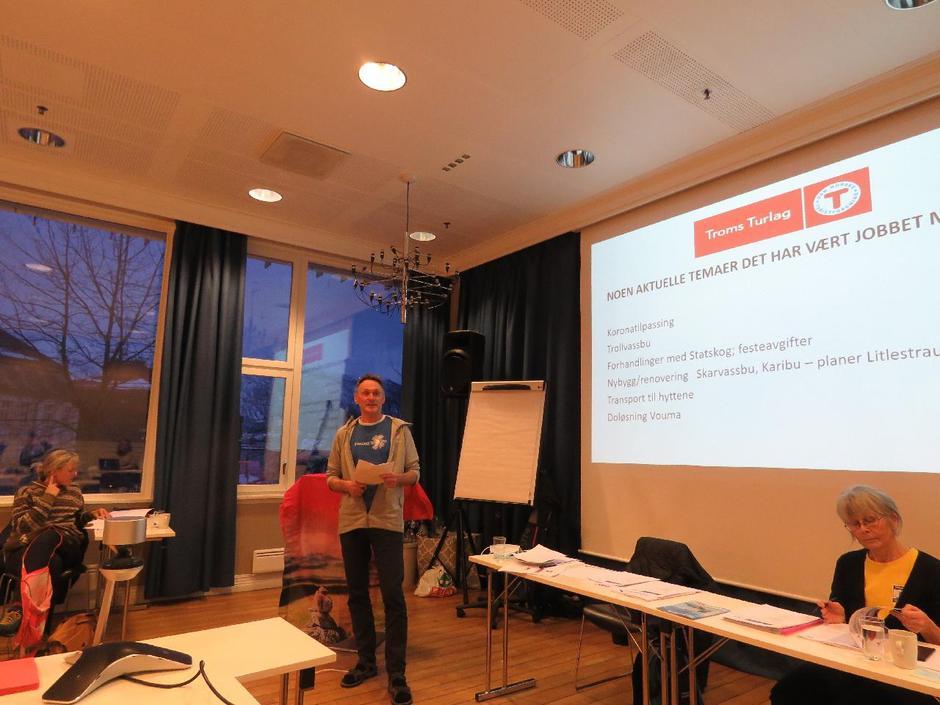 Styreleder Arnulf Sørum fortalte om turlagets aktiviteter i koronaåret 2020.