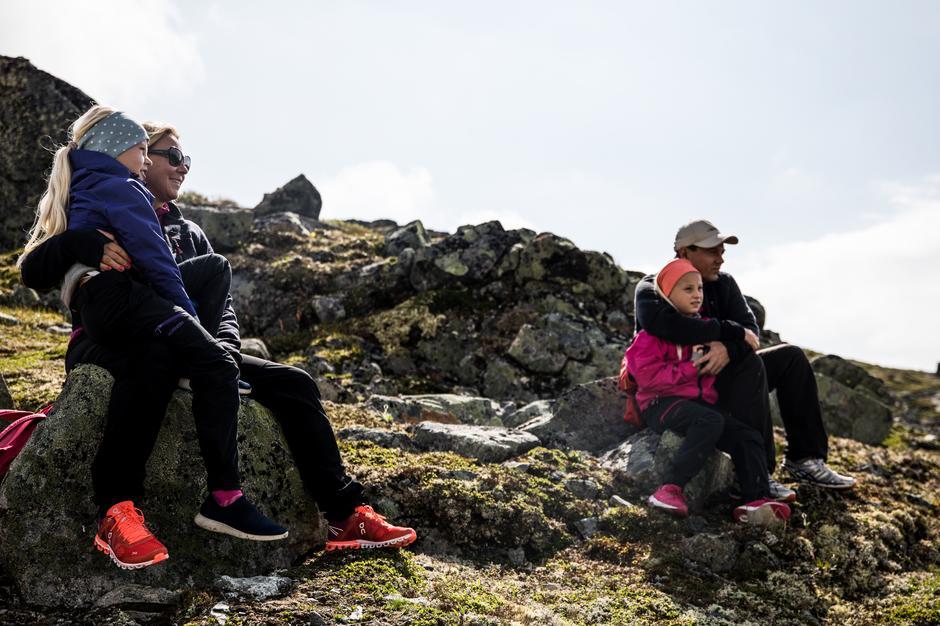 Norgesferie på fjellet gir fantastiske øyeblikk og gode minner for hele familien. (Foto fra Monsen minutt for minutt på Hardangervidda.)
