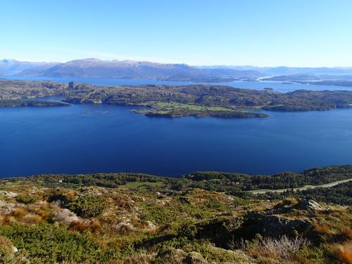Utsikt frå Agdesteinfjellet mot Huglo