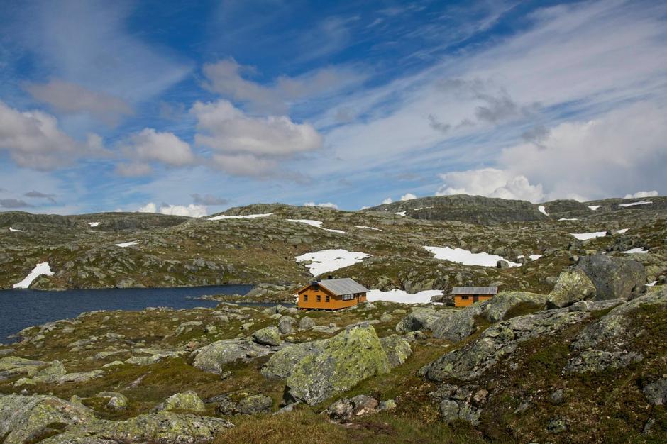 LITE SNØ: Slik så det ut på Hovatn i forrige uke. Det er svært lite snø igjen i fjellet.