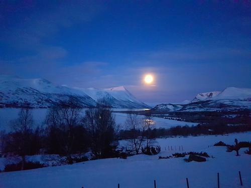 Gjevilvasshytta avlyser måneskinnsturene og helgeåpent
