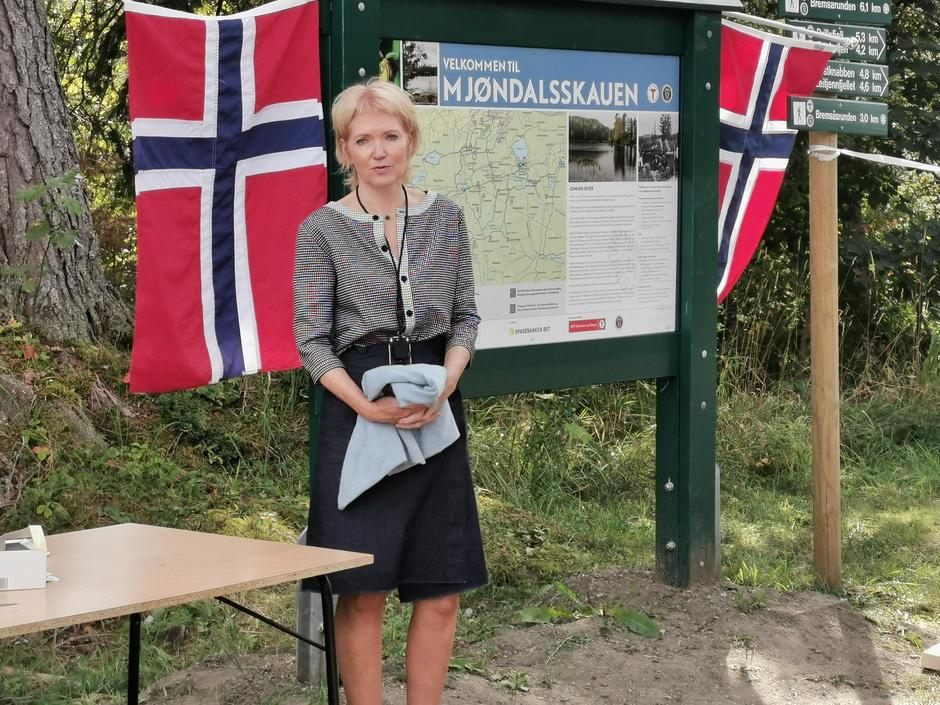 Jorunn Larsen fra Kultur, idrett og friluftsliv i Drammen kommune, takket for den unike innsatsen fra frivilligheten.