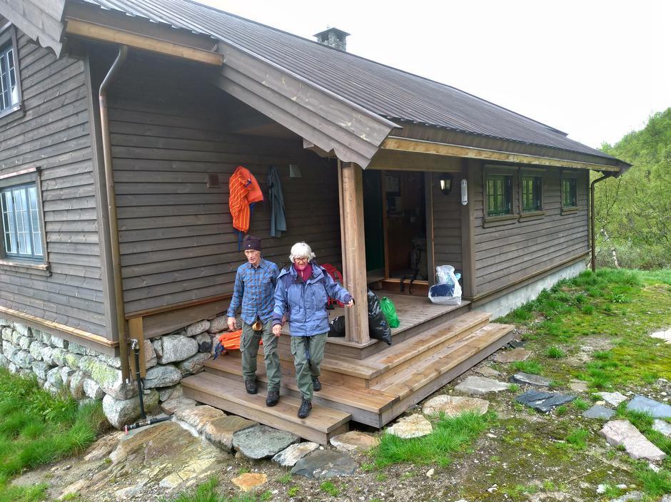 Bjørg og Reidar Eikemo på Berunuten.