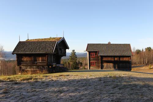 Vannet Bokke ligger mellom Uppigard Bolkesjø (bilde) og Follsjø.