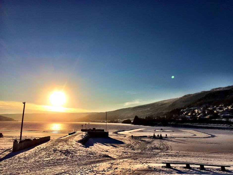 Skøytebane på Mjøsisen, Vingnesvika ved Lillehammer