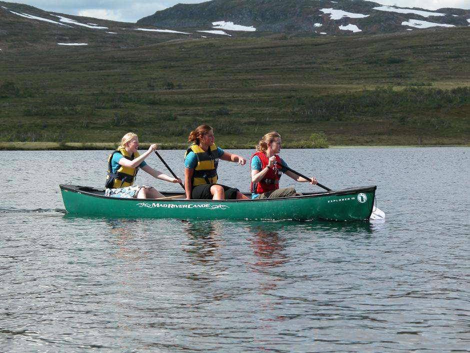 Kanopadling gir fine naturopplevelser. I sommer kan du leie kano på Jøldalshytta, Storerikvollen og Nedalshytta.