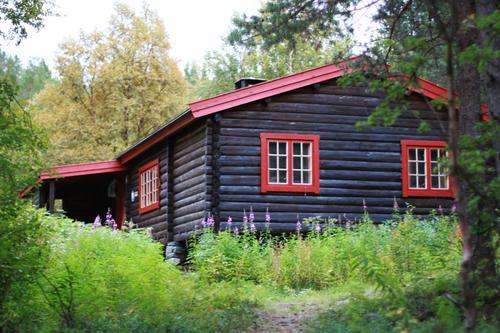Fra 10. februar kan du booke alle Troms turlag Sine hytter alle dager!
