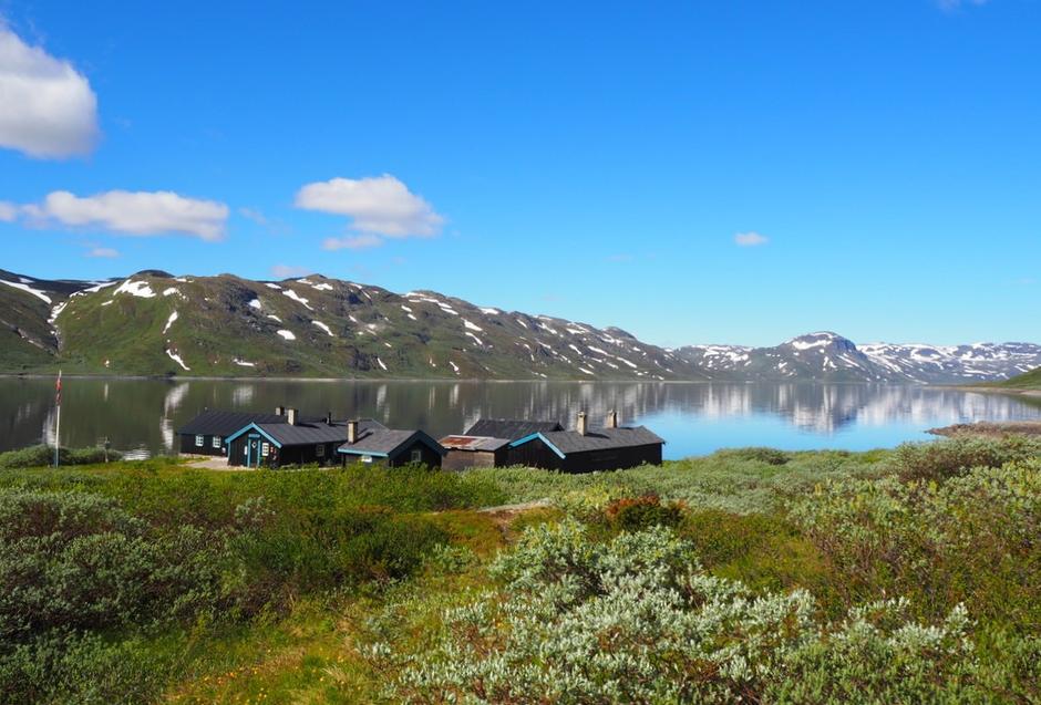 Torfinnsbu, en av de historiske hyttene man kan oppleve på den nye historiske vandreruta gjennom Jotunheimen, som åpnes 30. juni 2018.