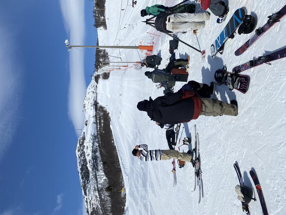 Snowboard og freeski utøvere fra Hovden Skigymnas, Hovden Alpinsenter 15.4.