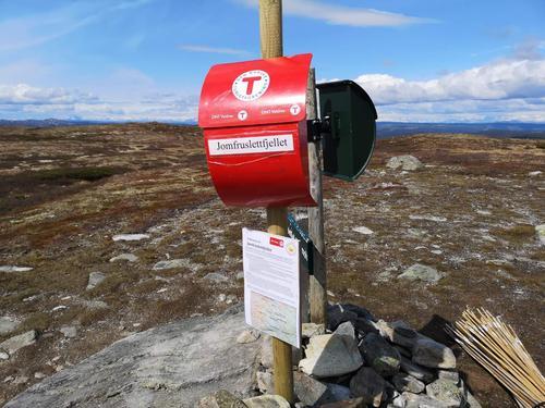 Årets første kassa oppe på Jomfruslettfjellet/Bjørnehalli