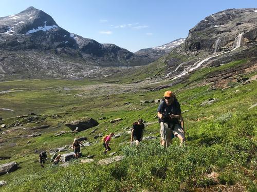 I første stigningen opp fra Blåvatnhytta til platået på 800 moh!