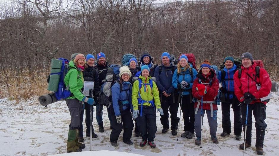 Ferske sommerturledere (på vinterlig føre) fra Harstad Turlag og Troms Turlag.